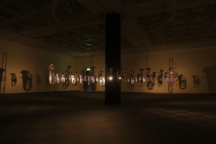 コーネリア・パーカー《無限カノン》愛知県美術館10階