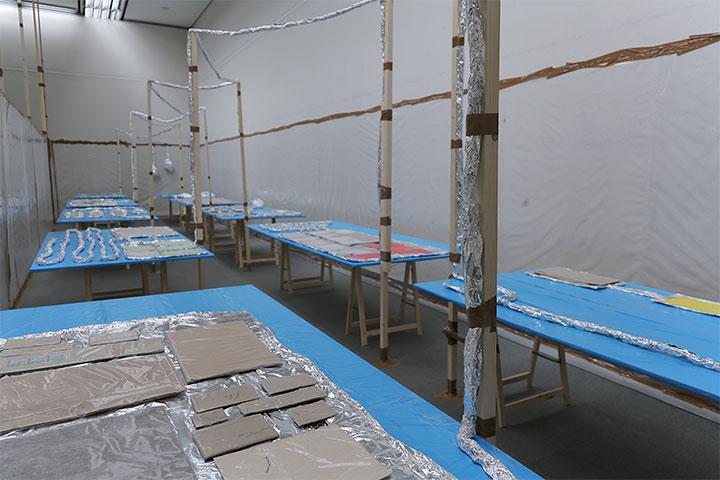 トーマス・ヒルシュホルン《涙の回復室》愛知県美術館8階