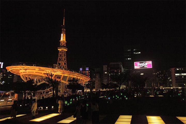 オアシス21、テレビ塔と集まった提灯