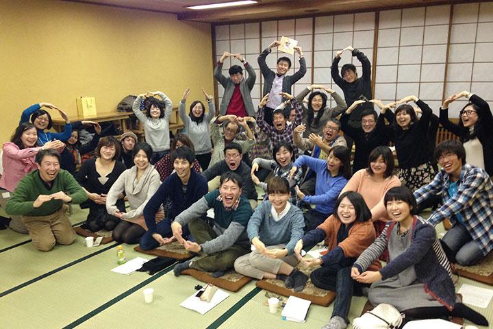 2014年1月25日(日)「ムービーの輪vol.2/映像上映会&鑑賞会」を開催した。最後列左から6番目が山口明子 撮影:山城大督