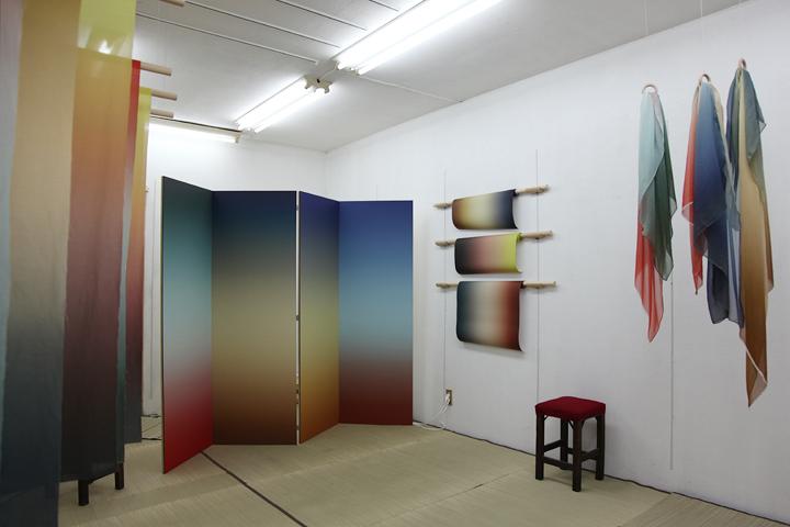 ルシア・コッホの作品. グラデーションを使用した作品を展示
