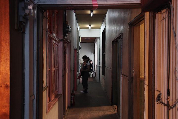 繊維卸会館2階. 各部屋や通路にもに展示がある