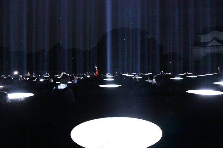 日没後、青光線が空に伸びる. 24日. 池田亮司《spectra[nagoya]》