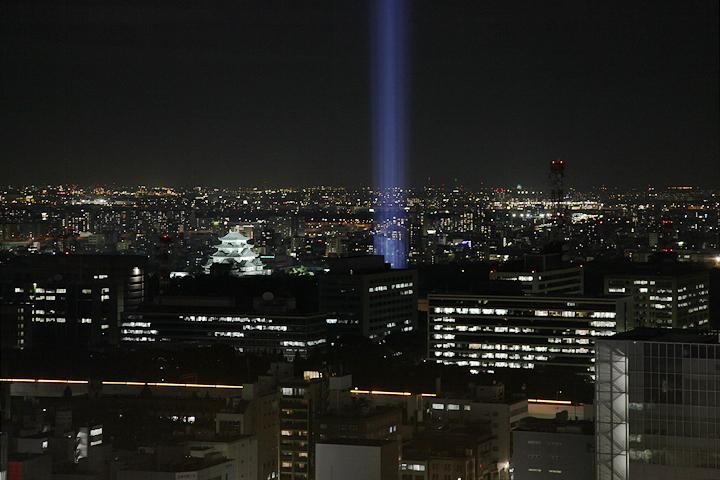 名古屋テレビ塔からのスペクトラナゴヤ. 24日. 池田亮司《spectra[nagoya]》