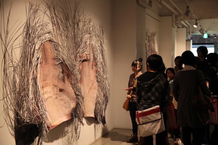 ARTISANビルで展示されている櫻井裕子「metamorphosis」