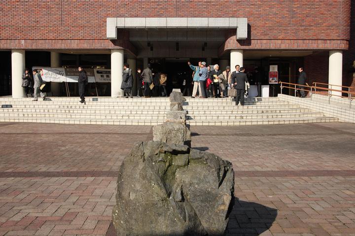 味岡伸太郎『Straight line あるいは線庭』豊橋市美術博物館 1月17日(火)〜2月19日(日)