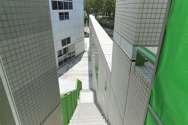 名古屋市美術館 出口