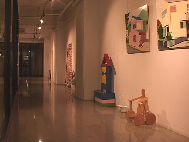 ARTISANビルに展示された川見俊の作品