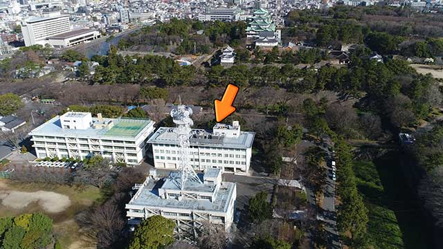 現在の風景 写真中央の水資源機構 中部支社あたりに亀尾天王社があった。