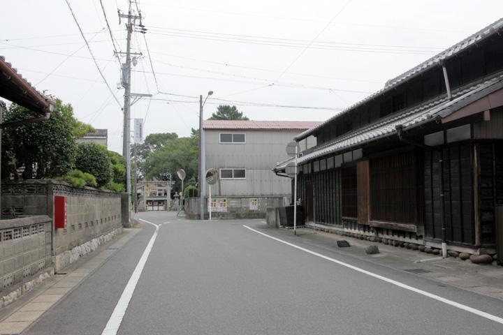 桝型付近左前方 憶感神社