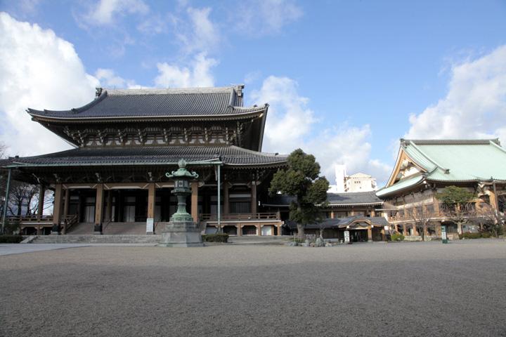 東本願寺掛所境内