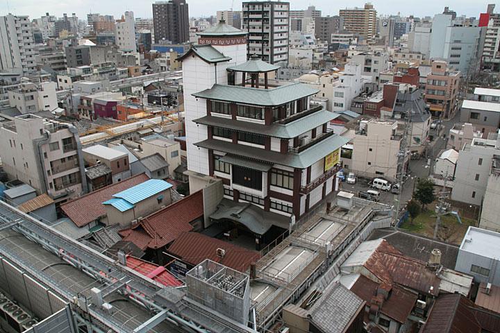 万松寺と商店街