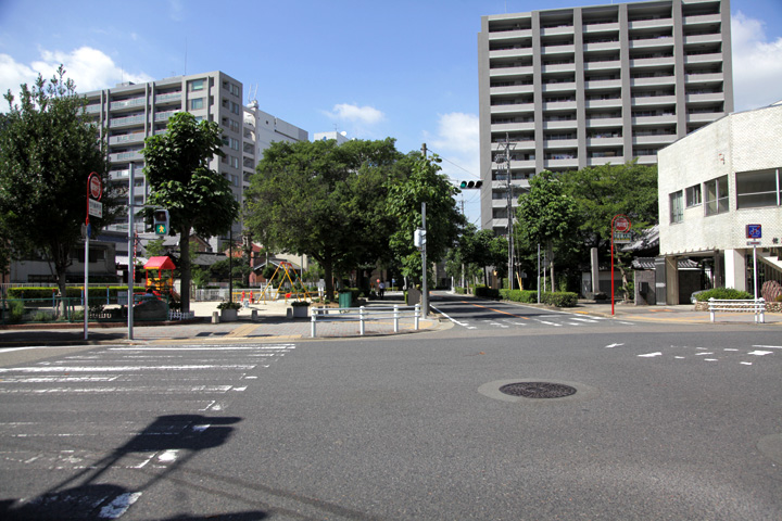 安斎院(右)と東充寺(左)