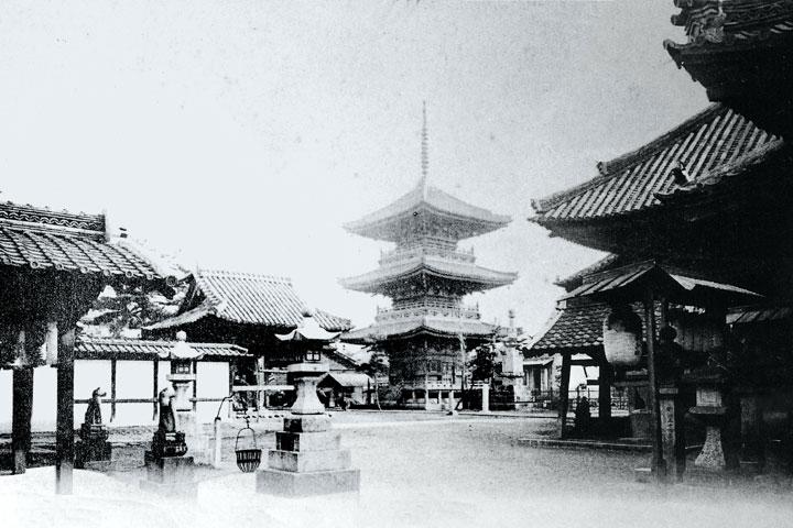 戦災で焼失前の七ッ寺