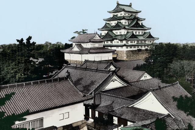 焼失前の名古屋城と本丸御殿(イメージ着色)