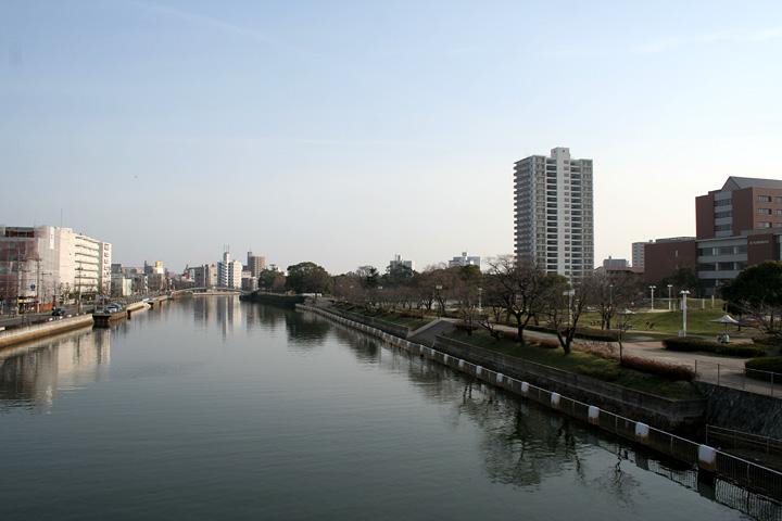 堀川(白鳥公園付近)