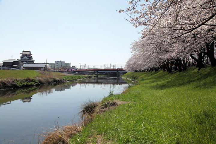 五条川と再建清洲城
