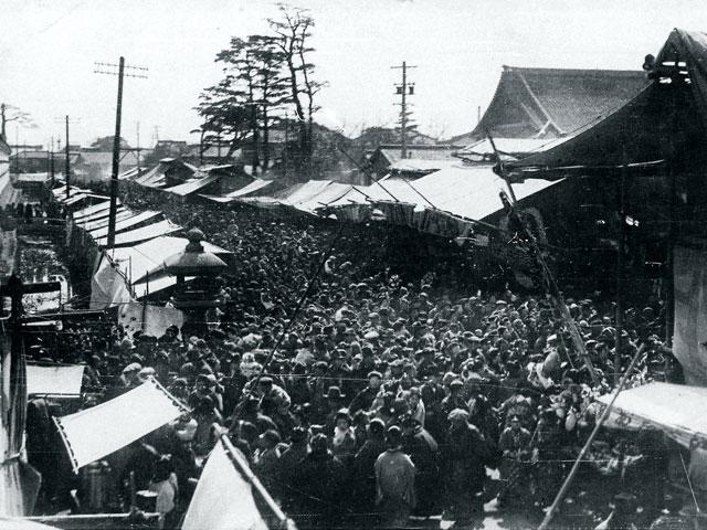 昭和初期の東別院彼岸のにぎわい