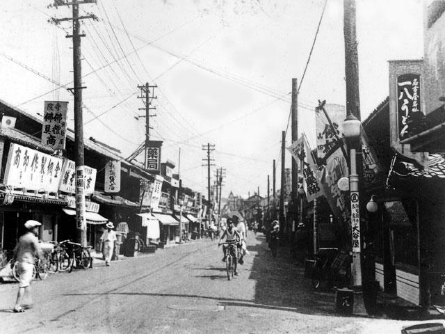 昭和初期の妙善寺の本町通