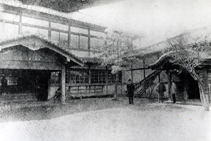 市制施行時の名古屋市役所 明治40年焼失