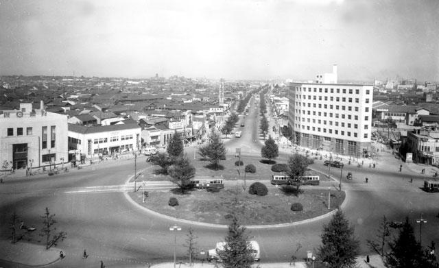 名古屋駅前(昭和20年代末)-名古屋都市センター所蔵の原版をデジタルリマスター
