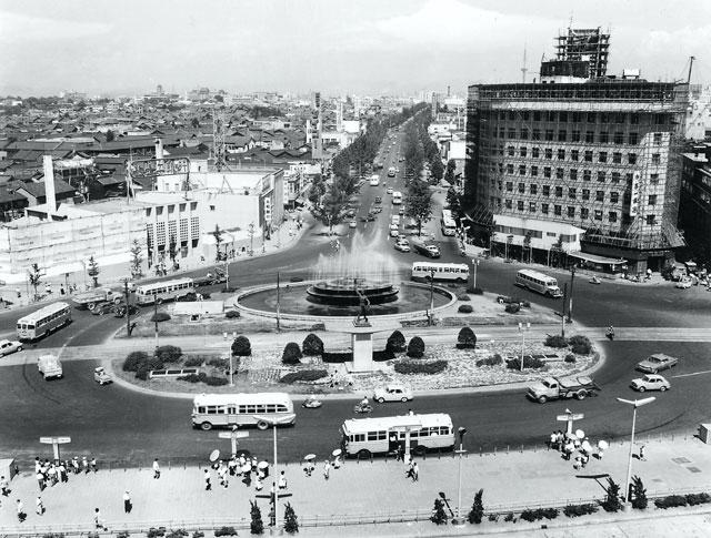 名古屋駅前(昭和30年代初頭)-名古屋市広報課所蔵の原版をデジタルリマスター