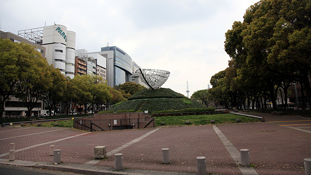 現在の風景 写真左手に松坂屋、中央の遠方に名古屋テレビ塔