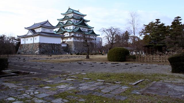 名古屋城と本丸御殿(現在再建中)