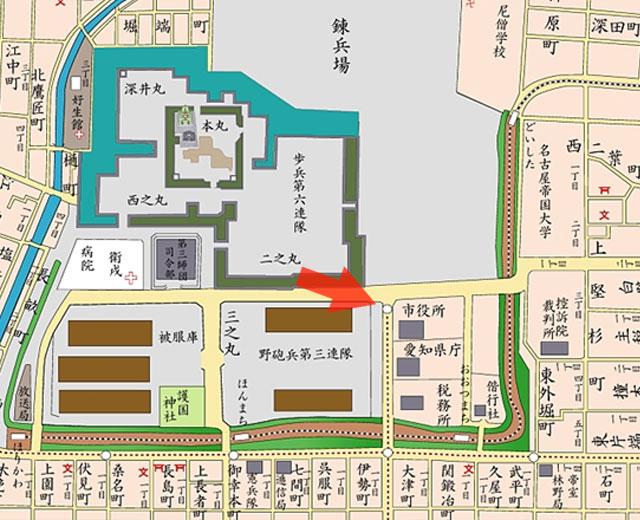 矢印の方向から完成当時の名古屋市役所を撮影