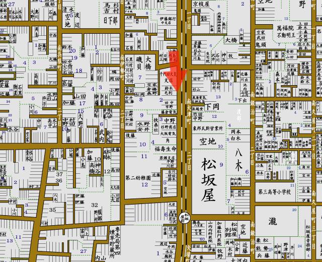 矢印の方向から松坂屋を撮影
