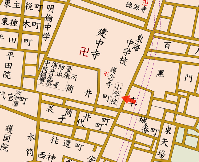 矢印の方向から名古屋市筒井小学校を撮影