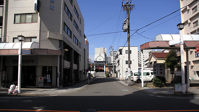 現在の風景 本町通越しに見た名古屋西本願寺別院