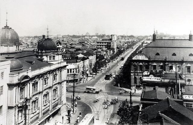 昭和10年頃の栄町交差点(鶴舞中央図書館所蔵の原版をデジタルリマスター)