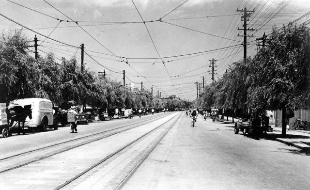 大正11年(1922)に名古屋電気鉄道から路面鉄道を名古屋市が買収、市電が発足した。 上江川線は志摩町から浄心町までの区間を運行していた。
