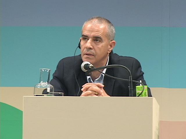 生物多様性条約事務局長 アハメド・ジョグラフ氏 - アルジェリア国外交官として勤務した後、1996年より国連環境計画(UNEP)本部で地球環境ファシリティーを担当。その後、2006年1月から現職。