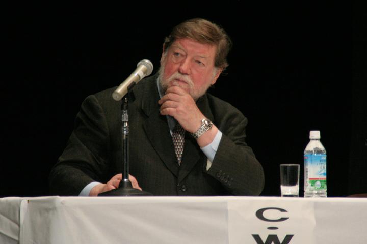 C.W.ニコル 氏(作家、C.W.ニコル・アファンの森財団理事長)