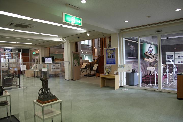 博物館入り口付近の展示風景