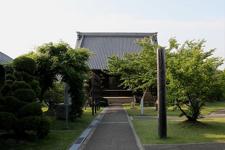 法蓮寺本堂