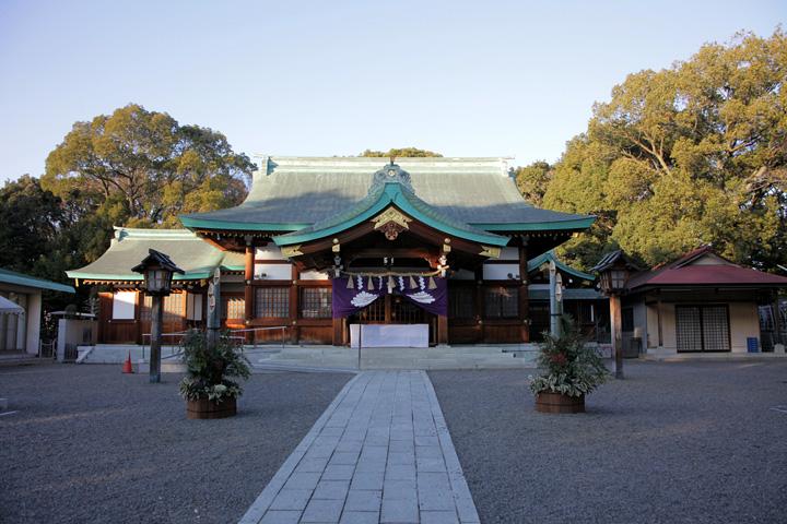 川原神社拝殿