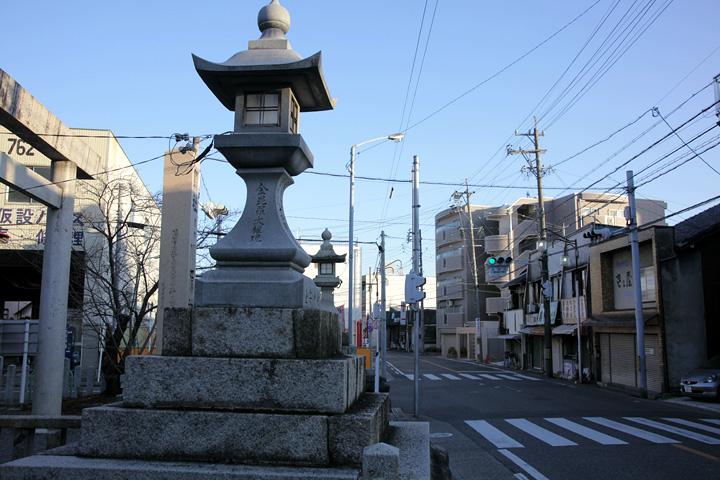 川原神社前の飯田街道