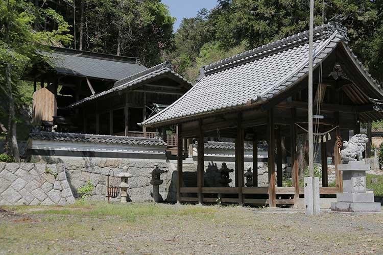 岩倉神社本殿