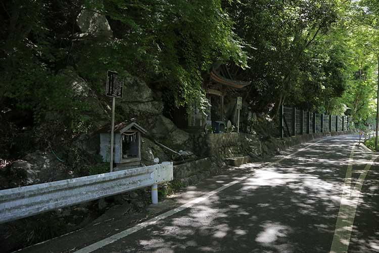 飯田街道-芭蕉句碑・馬頭観音前