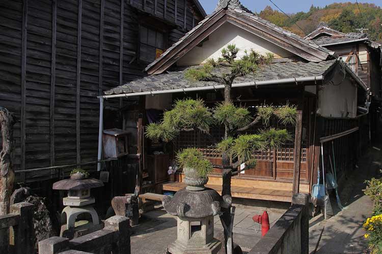 飯田街道沿いのお堂