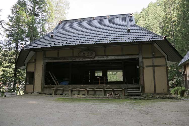 熊野神社の農村舞台
