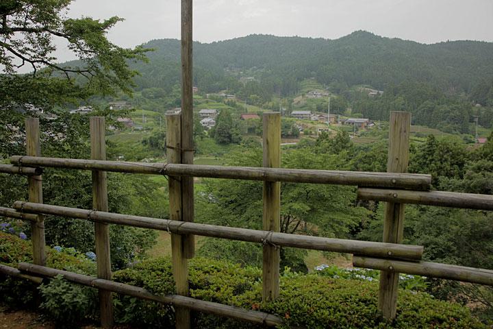 田峰城から見た城下