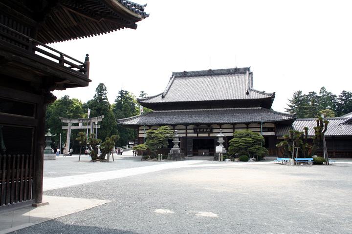妙厳寺法堂