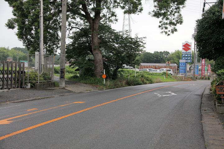 青木地蔵 このあたりが窪田宿西の入口