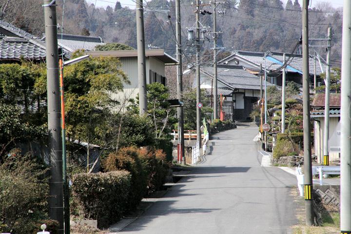 石津町山門東入口方面