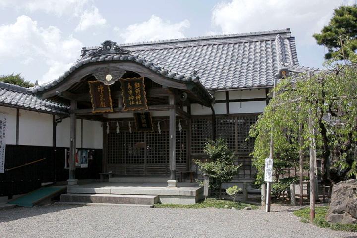 神戸(かんべ)宗社拝殿