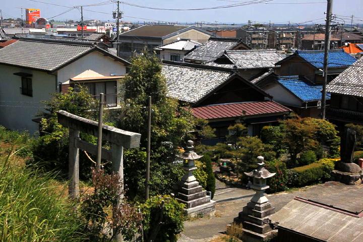 上野神社参道の伊勢街道